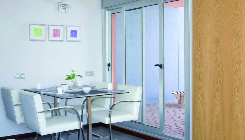 Ventanas de aluminio alumiroda la roda albacete for Instalacion de ventanas de aluminio